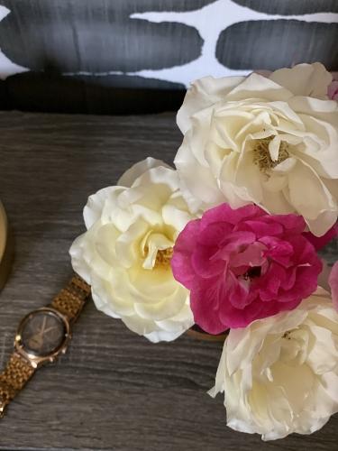 roses, flower garden, fresh flowers, Christine Kohut Interiors, design ninja, designninja, ORC, one room challenge, better homes and gardens, design blog, bedroom makeover, guest bedroom ideas